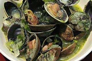 Clams with Onion & Dill