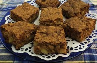 Bev&#8217;s Apple Cake (  )