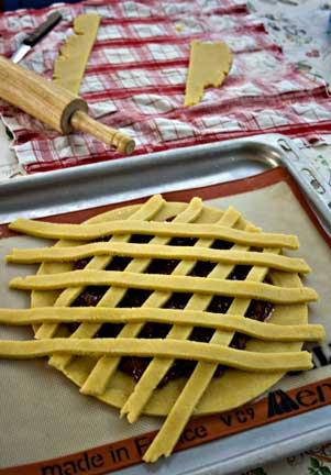 Pasta Flora - Making Lattice