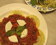 Tomato Sauce with Celery & Mint (Σάλτσα με Σέλινο και Δυόσμο)