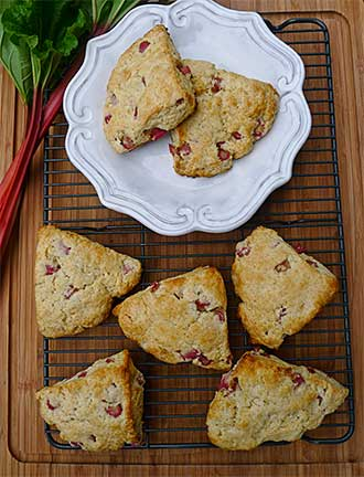 Rhubarb Vanilla Bean Scones