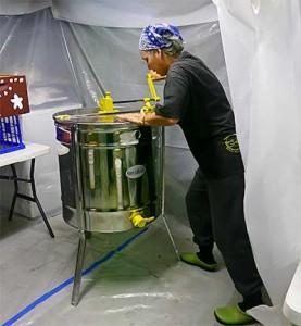 Beverly Barker, Extracting Honey, 2012